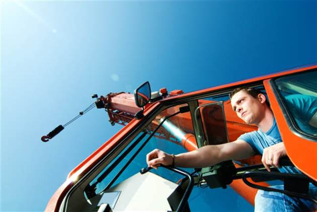 Hoisting Engineer: Mobile Crane Operator, Br. 2